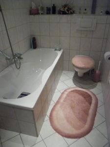 Badezimmer vor dem altersgerechten Umbau